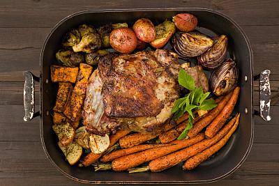 羊腿,烤的,蔬菜,红色土豆,烤盘,球芽甘蓝,芜菁,复活节,褐色,胡萝卜