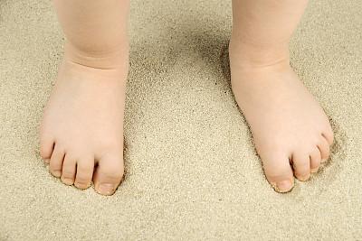 沙子,足,婴儿,桌上足球,人类脚趾,水,脚印,水平画幅,可爱的