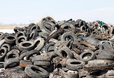轮胎,汽车,废旧汽车场,垃圾填埋场,自动反斗卡车,垃圾,水平画幅,无人,侧面像,古老的