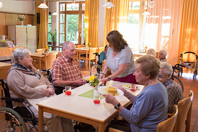 疗养院,老年人,收容所,水平画幅,人群,饮料,友谊,祖父,成年的