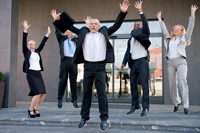幸福,商务人士,五个人,水平画幅,人群,套装,白人,男商人,男性,仅成年人