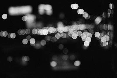 单色调,交通,单色的衣服,黑白图片,交通堵塞,红绿灯,前灯,水平画幅,夜晚,明亮