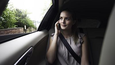 背面视角,汽车内部,留白,陆用车,仅成年人,现代,青年人,专业人员,动机,技术