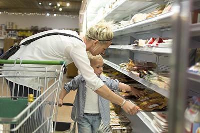 超级市场,购物清单,便利店,肉店,过道,美,水平画幅,食品杂货,美人,单身母亲