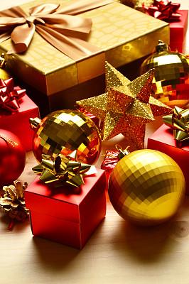 圣诞装饰物,大于号,小团体,垂直画幅,礼物,无人,2015年,摄影
