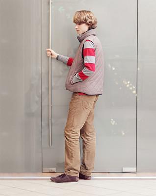 青少年,门,努力,垂直画幅,美,青春期,门口,智慧,会议,玻璃