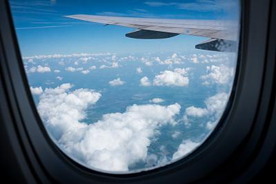 窗户,飞机,舷窗,天空,水平画幅,无人,蓝色,云景,机翼,彩色图片