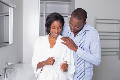 孕检,看,异性恋,浴衣,美,浴室,休闲活动,水平画幅,美人,黑发