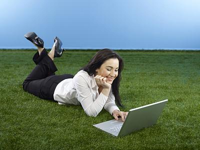 商务关系,草,仅成年人,自由,青年人,技术,计算机,商务,女人,仅一个女人
