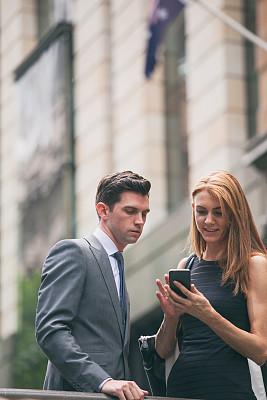 户外,商务,办公室,人行横道,垂直画幅,套装,决心,男商人,国际著名景点,商业金融和工业
