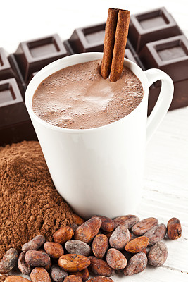 热可可,可可豆,巧克力条,饮料,白色,暗色,咖啡杯,一个物体,热饮,垂直画幅