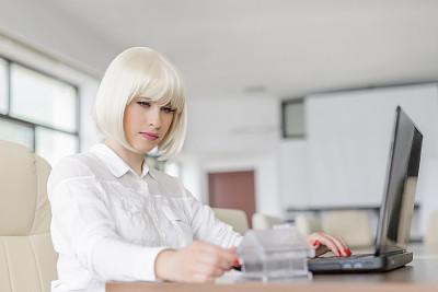 文书工作,现代,仅成年人,青年人,专业人员,信心,技术,设计师,效率,计算机