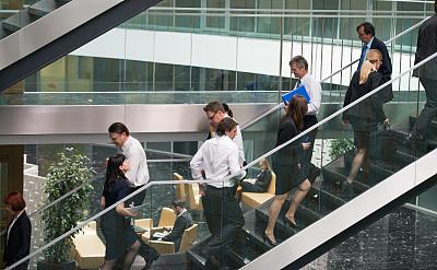 办公室,楼梯,商务人士,台阶,水平画幅,会议,巨大的,人群,套装,决心
