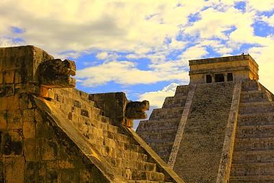 契晨-伊特萨,金字塔形,墨西哥,玛雅文明,车站月台,platform of the jaguars and eagles,马雅里维耶拉,金字塔,美洲虎,墨西哥玛雅金字