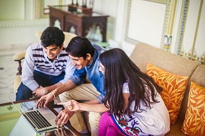 印度人,商务人士,男商人,新创企业,男性,仅成年人,知识,青年人,技术,青年男人