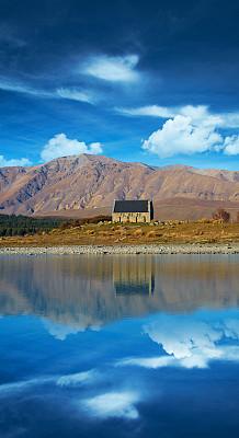 帝卡波湖,麦肯齐地区,特卡波,新西兰坎特伯雷地区,南阿尔卑斯山脉,垂直画幅,留白,灵性