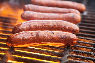 德式香肠,炊具,德国食物,格子烤肉,饮食,水平画幅,无人,烤肉架,火焰,摄影