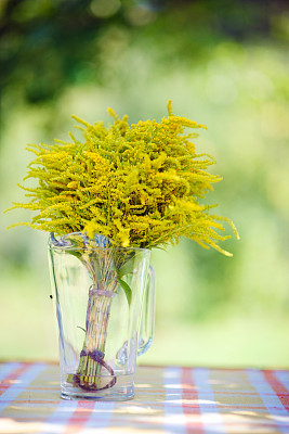野花,黄色,垂直画幅,美,无人,美人,玻璃,夏天,户外,花束