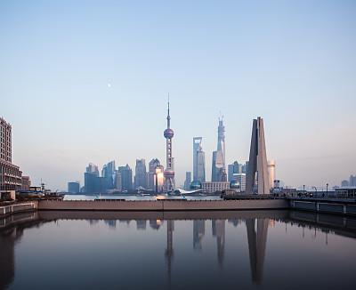 城市天际线,上海,金茂大厦,东方明珠塔,外滩,水,天空,留白,未来,旅行者