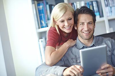 任务清单,周末活动,问号,中年伴侣,留白,电子邮件,在之后,家庭生活,男性,仅成年人