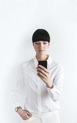 拿着,白色,青年女人,前面,衣服,电子记事本,垂直画幅,正面视角,半身像,经理