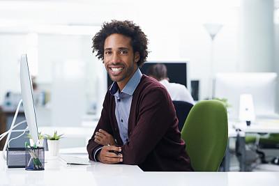 职业,氦,留白,电子邮件,非裔美国人,男商人,新创企业,男性,仅成年人,青年人