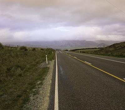 云,前面,自然,灰色,水平画幅,绿色,无人,路,路边,户外