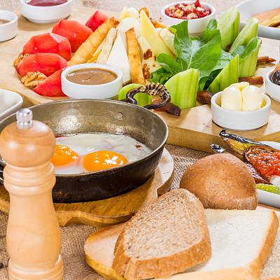早餐,巨大的,个性,绿胡椒子,春卷,乳酪板,黑胡椒子,乌榄,选择对焦,无人