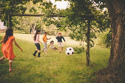 男孩,女孩,橄榄球,格林公园,枝繁叶茂,学校操场,游乐场,进球,儿童足球,足球