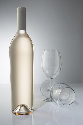 玻璃,酒瓶,瓶子,垂直画幅,葡萄酒,饮食,面无表情,无人,玻璃杯,白色背景