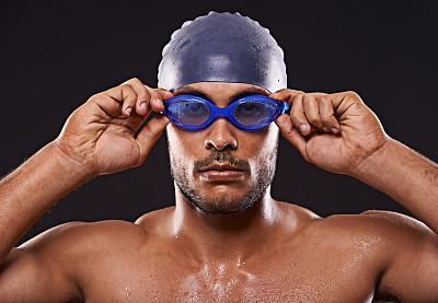 人的眼睛,奖,游泳短裤,氨纶,游泳帽,躯干,留白,运动竞赛,健康,男性