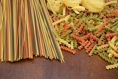 生食,意大利面,细面条,螺旋面,意大利干面条,褐色,水平画幅,无人,干的,彩色图片