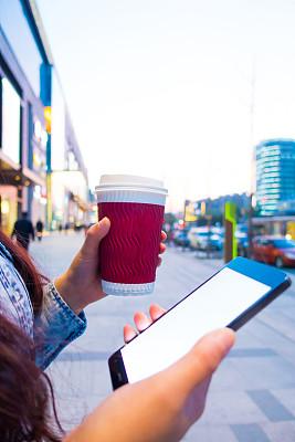 垂直画幅,电子邮件,电话机,消息,热饮,户外,特写,咖啡,仅成年人,现代