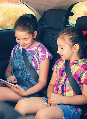 儿女,汽车,药丸,后座,儿童安全座椅,安全带,扣环,汽车内部,原生数字,垂直画幅