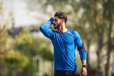 汗液,人类肌肉,周末活动,男性,仅男人,仅成年人,青年人,运动,腹肌