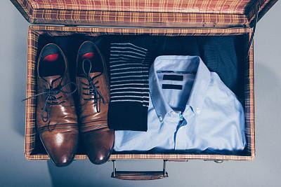手提箱,着装得体,拥挤的,开着的,概念和主题,水平画幅,无人,衣服,古典式,商务旅行