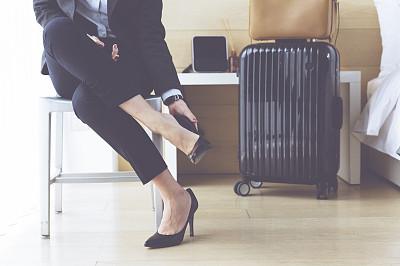 鞋子,旅行者,酒店,商务旅行,水平画幅,椅子,套装,高跟鞋,行李,干净