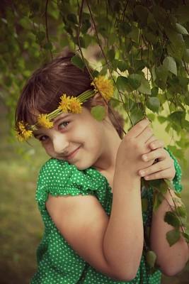女孩,花环,垂直画幅,美,休闲活动,头发,彩色图片,人的头部,枝,清新