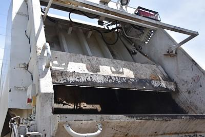 垃圾车,垃圾,水平画幅,无人,卡车,皮卡车,特写,白色,背面视角,商用车