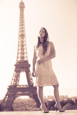 埃菲尔铁塔,欲望,巴黎,女演员,演员,棕褐色调,名声,垂直画幅,纪念碑,留白