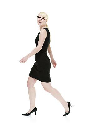 女商人,快乐,无袖上装,垂直画幅,美,美人,高跟鞋,白人,仅成年人,眼镜