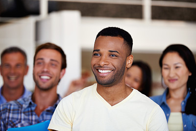 连续性,专业人员,混合年龄,留白,非裔美国人,新创企业,男性,仅成年人,青年人,信心