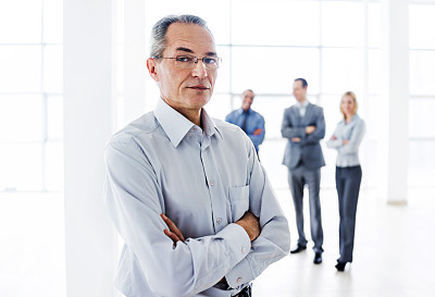 男商人,信心,老年人,办公室,领导能力,少量人群,水平画幅,人群,工作年长者,白人