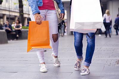 购物中心,礼品袋,纸袋,四肢,顾客,腿,商店,仅成年人,青年人,冬天