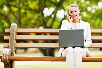 女人,手机,使用手提电脑,美,笔记本电脑,水平画幅,电话机,美人,套装,白人