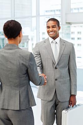 商务人士,套装,商务关系,垂直画幅,会议,美人,非裔美国人,男商人,男性,白领