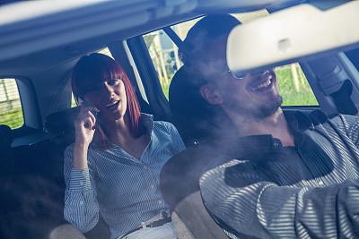 商务,异性恋,汽车,蓝牙,水平画幅,电话机,职权,美人,陆用车,伴侣