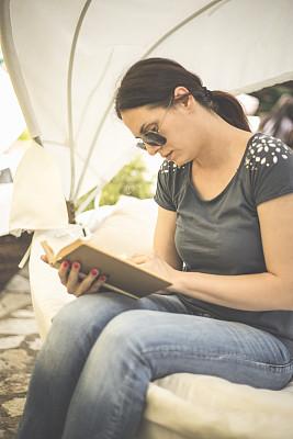 夏天,书,街道,女孩,平顶,垂直画幅,早晨,户外,知识,智慧