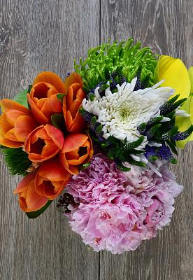 花束,垂直画幅,绿色,橙色,木制,郁金香,无人,背景分离,硬木,仅一朵花