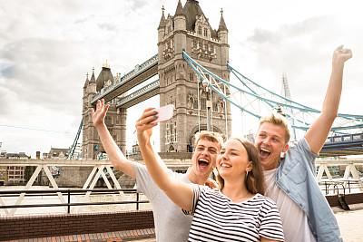 塔桥,伦敦,友谊,自拍,提举,留白,英格兰,旅行者,仅成年人,都市风景